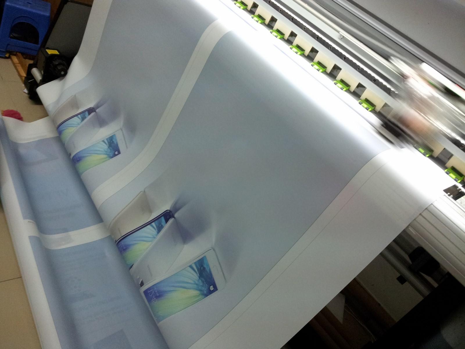 Tất cả các sản phẩm in poster đều được in bằng mực dầu hay mực nước trên máy in khổ lớn, chất lượng cao cho hình ảnh sắc nét, trung thực